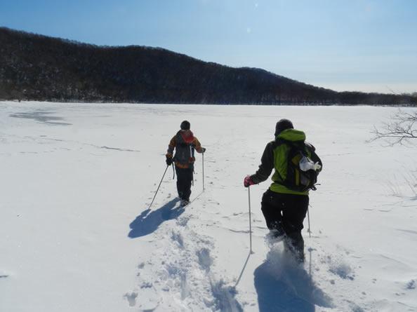 全面結氷の湖
